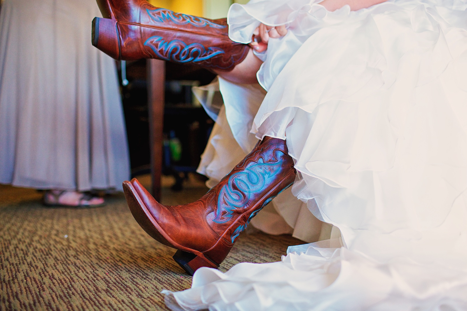Earle Brown Heritage Center Wedding Photos 2
