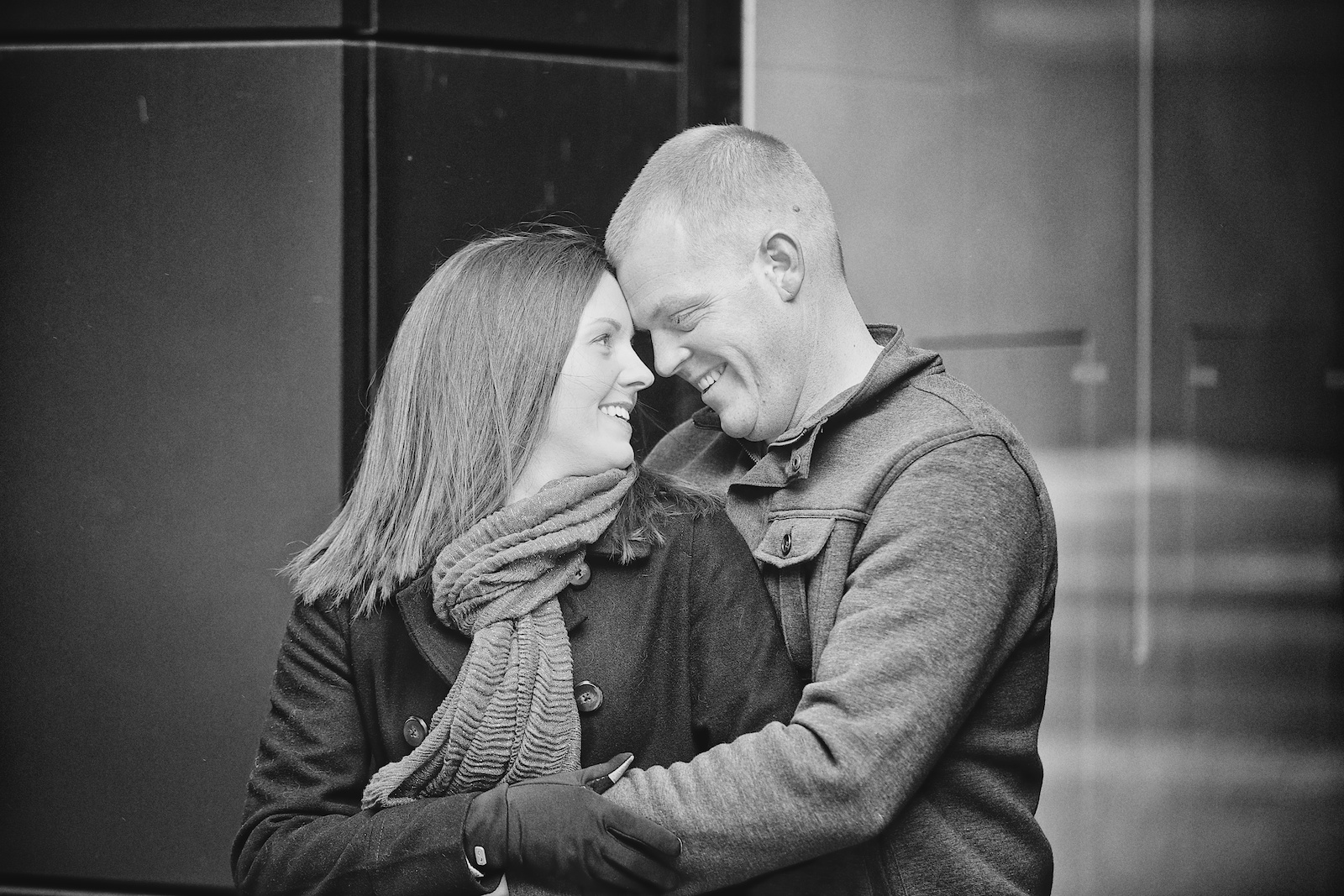Minneapolis Winter Engagement Photos 14